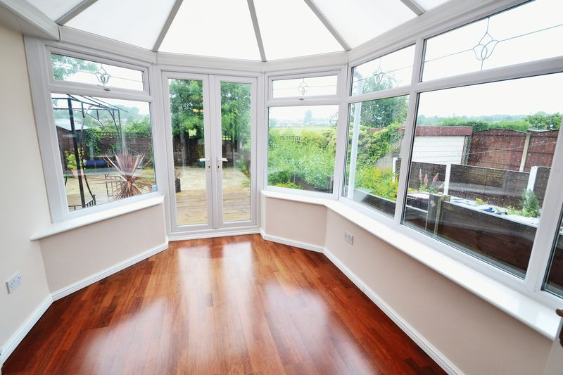 4 Bedroom Semi Detached House To Rent - Photo 5
