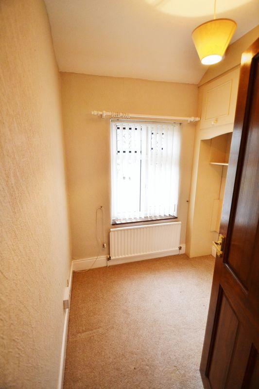 4 Bedroom Semi Detached House To Rent - Photo 11
