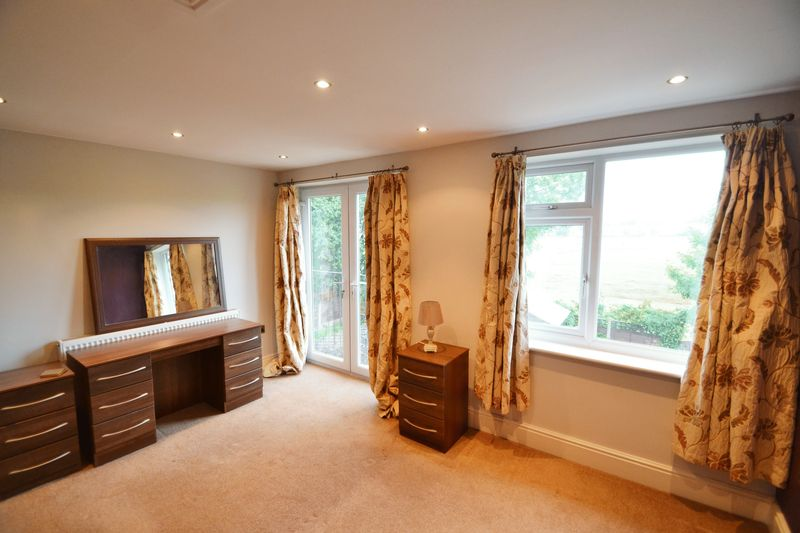 4 Bedroom Semi Detached House To Rent - Photo 13