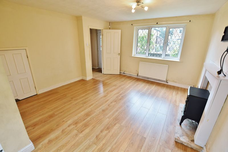 3 Bedroom Semi Detached House For Sale - Photo 4