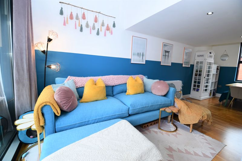 2 Bedroom Terraced House For Sale - Photo 9