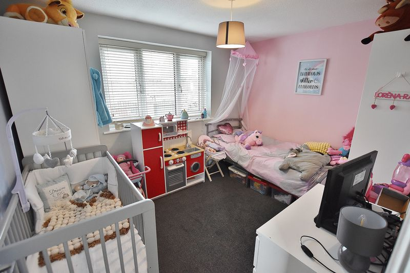2 Bedroom Semi Detached House For Sale - Photo 10