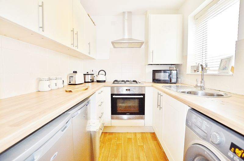 2 Bedroom Semi Detached House For Sale - Photo 8