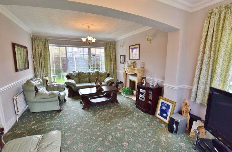 4 Bedroom Detached House For Sale - Photo 17