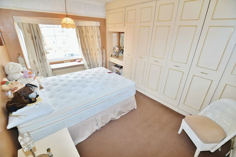4 Bedroom Detached House For Sale - Photo 4