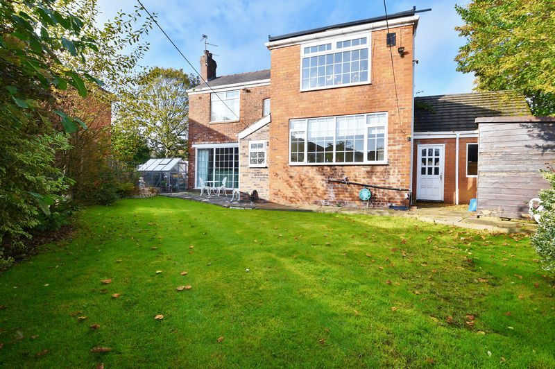 4 Bedroom Detached House For Sale - Photo 12