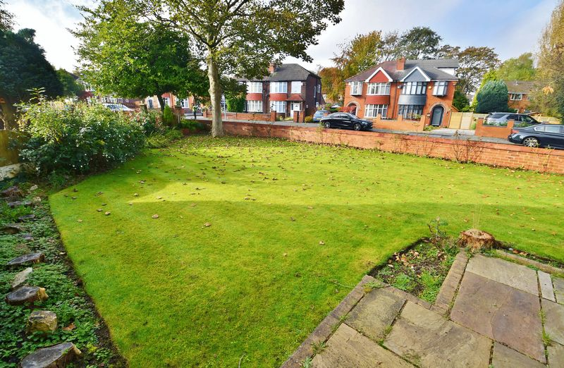 4 Bedroom Detached House For Sale - Photo 14