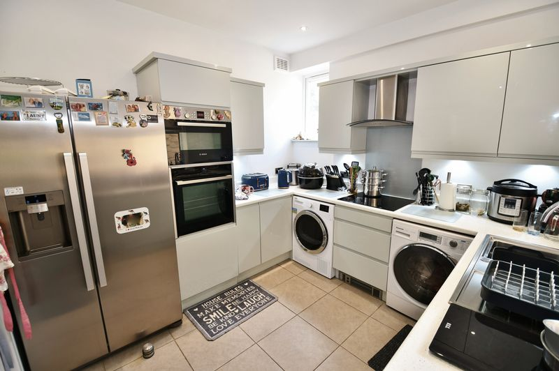 2 Bedroom Terraced House For Sale - Photo 7