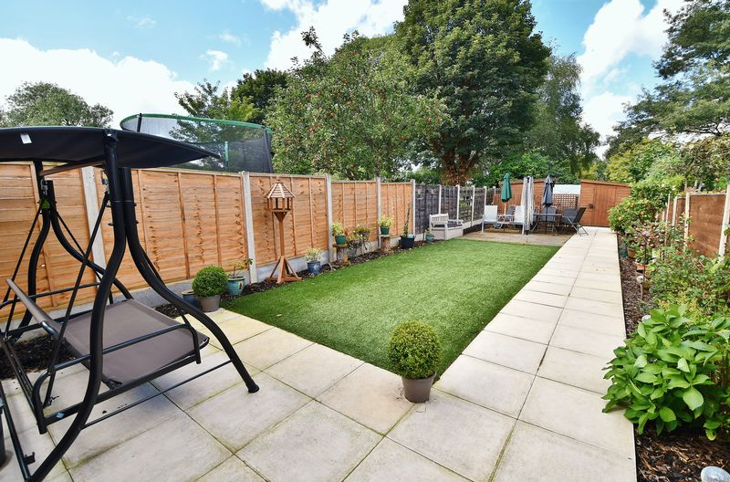 2 Bedroom Terraced House For Sale - Photo 8