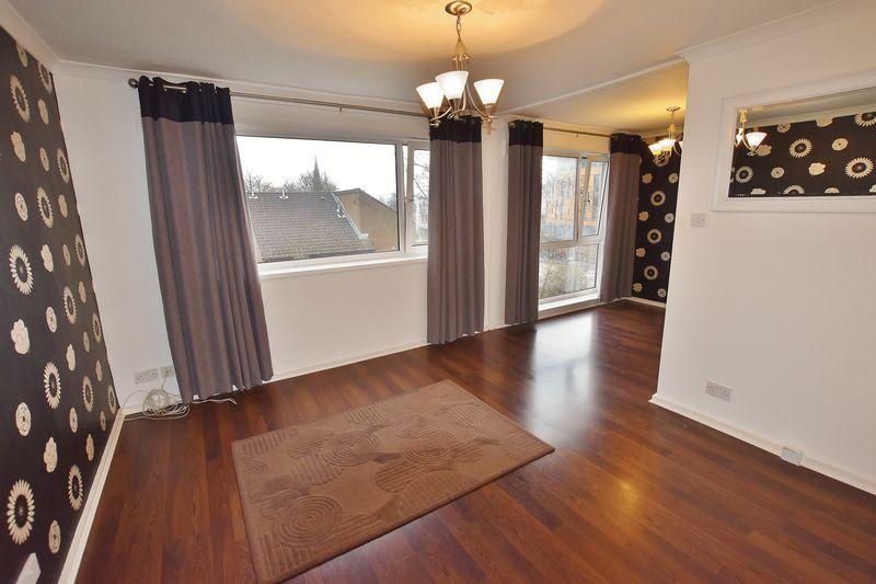 2 Bedroom Upper Floor Flat Apartment Or Studio For Sale - Photo 4