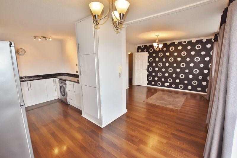 2 Bedroom Upper Floor Flat Apartment Or Studio For Sale - Photo 6