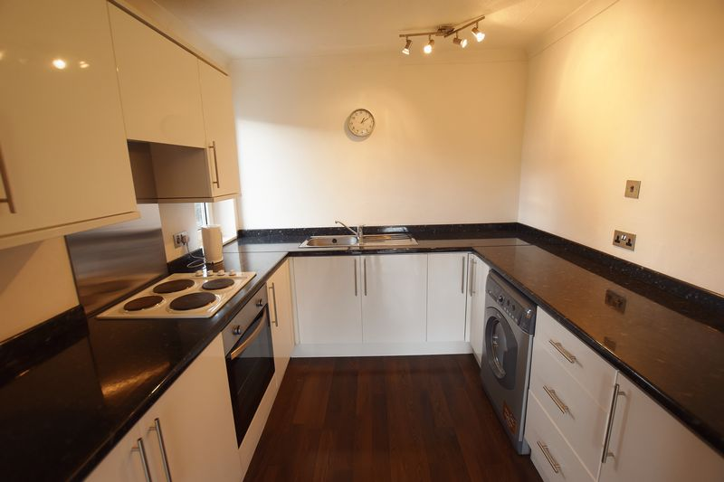 2 Bedroom Upper Floor Flat Apartment Or Studio For Sale - Photo 7