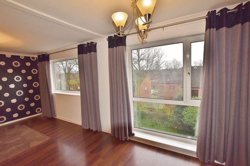2 Bedroom Upper Floor Flat Apartment Or Studio For Sale - Photo 9