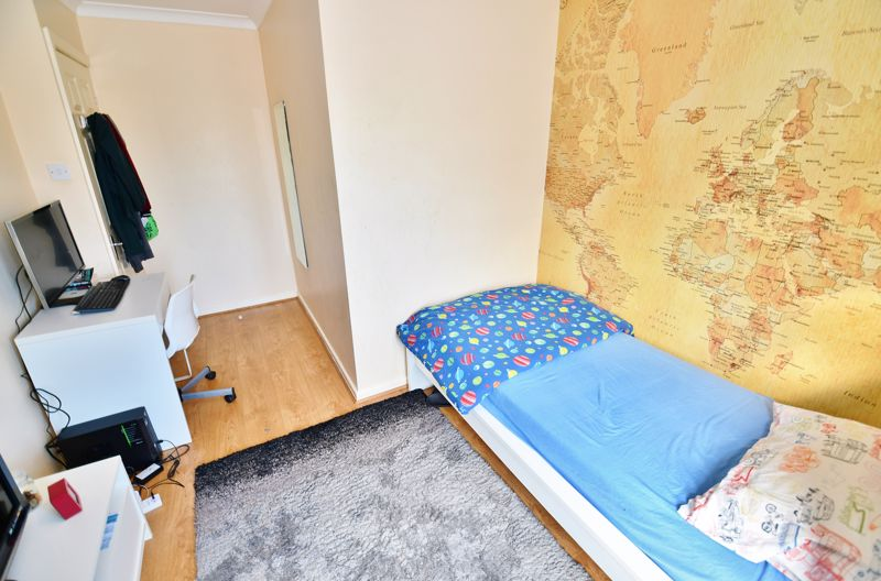 4 Bedroom Semi Detached House For Sale - Photo 5