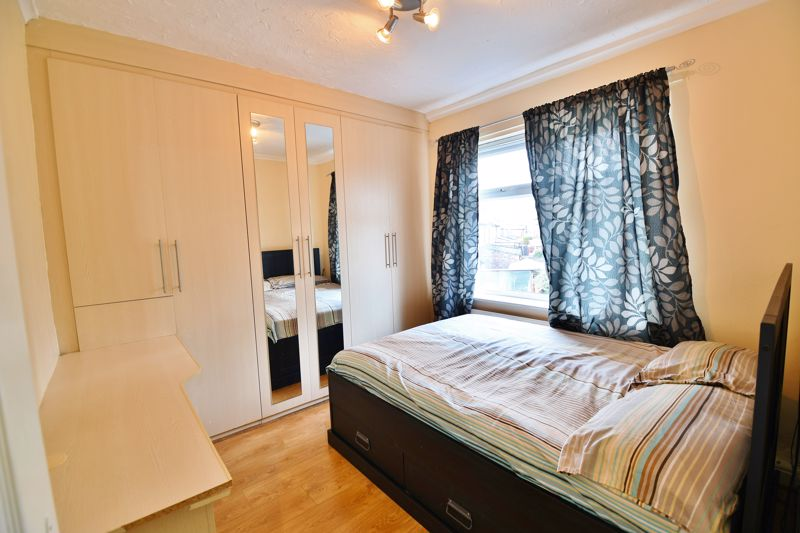 4 Bedroom Semi Detached House For Sale - Photo 7