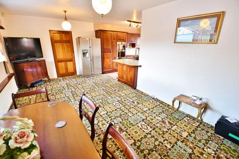 4 Bedroom Detached Bungalow For Sale - Photo 13