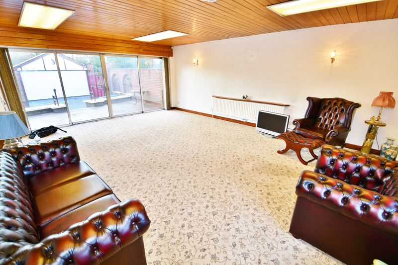 4 Bedroom Detached Bungalow For Sale - Photo 15