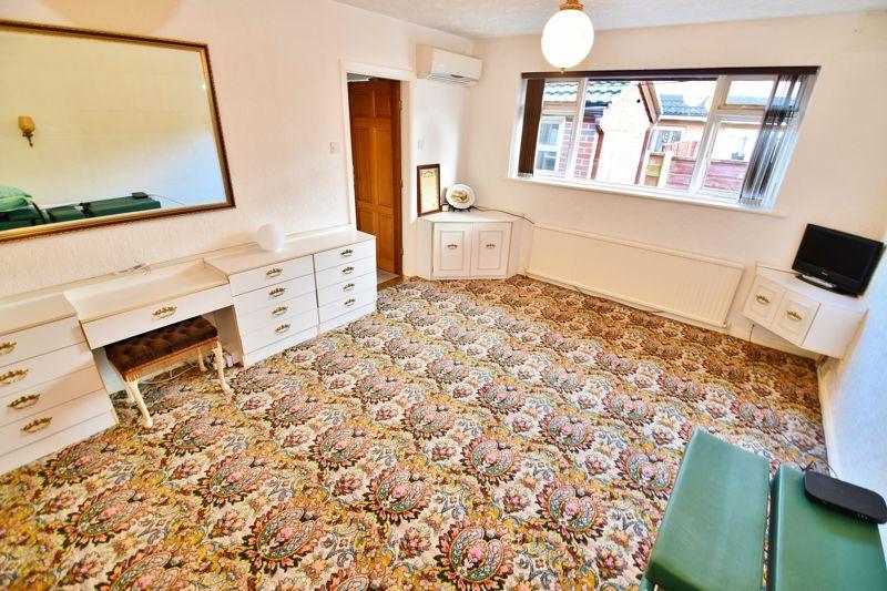 4 Bedroom Detached Bungalow For Sale - Photo 20