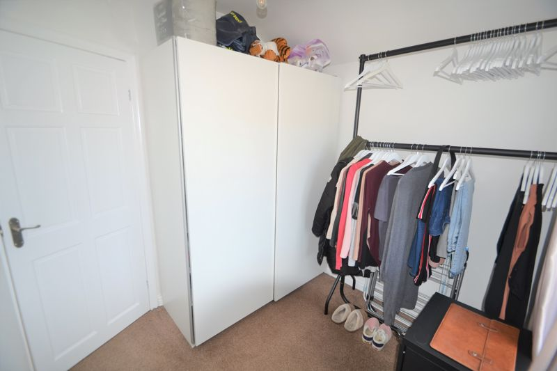 3 Bedroom Semi Detached House To Rent - Photo 32