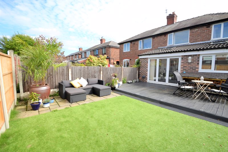 3 Bedroom Semi Detached House To Rent - Photo 35