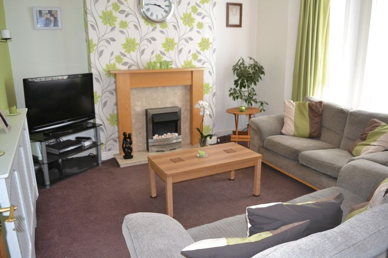 5 Bedroom End Terrace House To Rent - Photo 2