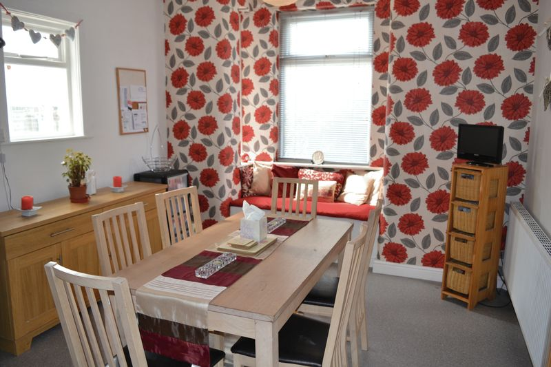 5 Bedroom End Terrace House To Rent - Photo 4