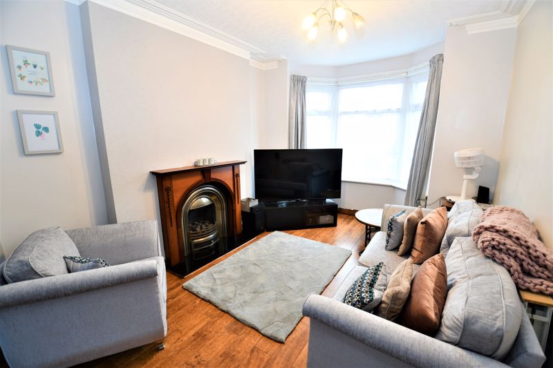 3 Bedroom Terraced House For Sale - Photo 1