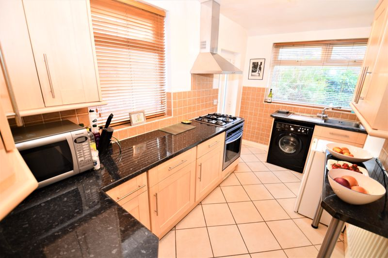 3 Bedroom Semi Detached House For Sale - Photo 6