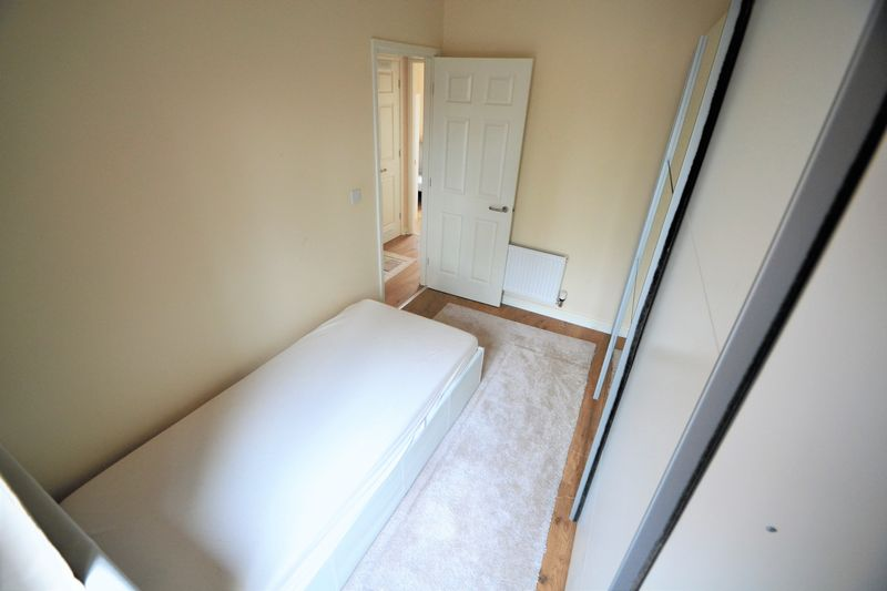 3 Bedroom End Terrace House To Rent - Photo 6