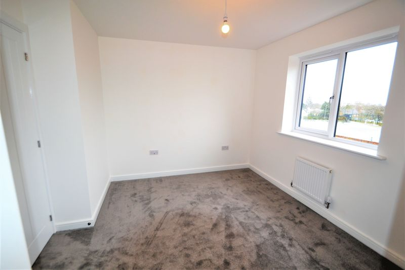 3 Bedroom Semi Detached House To Rent - Photo 14