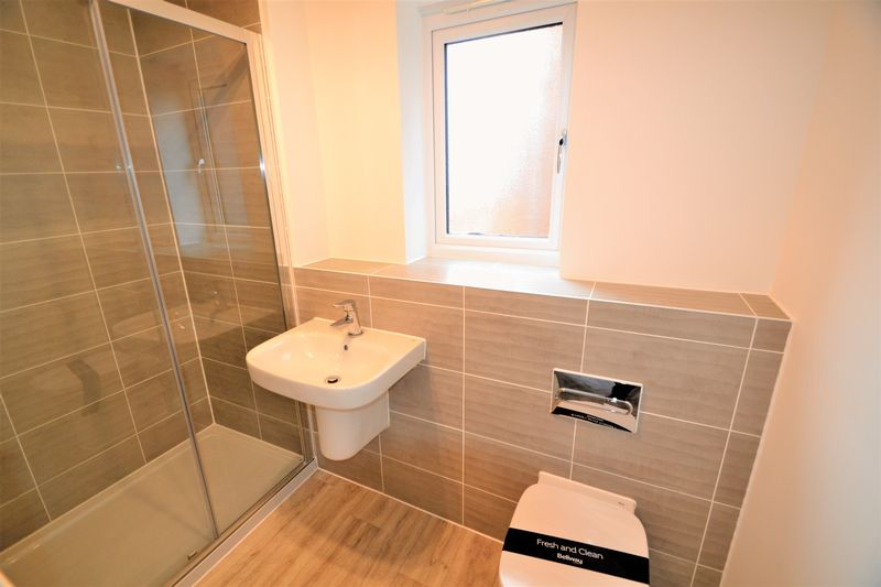 3 Bedroom Semi Detached House To Rent - Photo 15