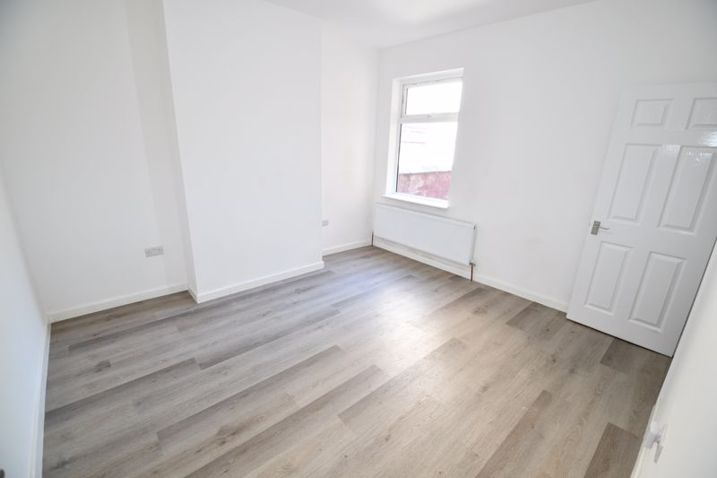 3 Bedroom Terraced House For Sale - Photo 25