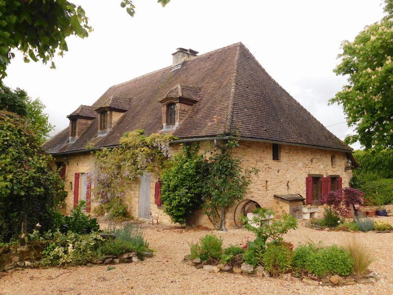 Traditional 18th century farmhouse, two beautiful barns, smallholding on 6.8ha