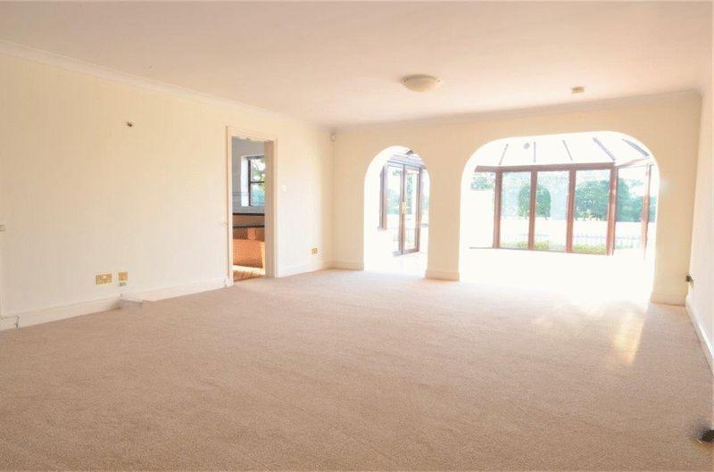 property-627858563