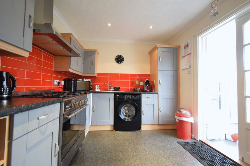 Howdale Road, , Hull, East Riding Of Yorkshire, HU8 9JZ - Photo 2