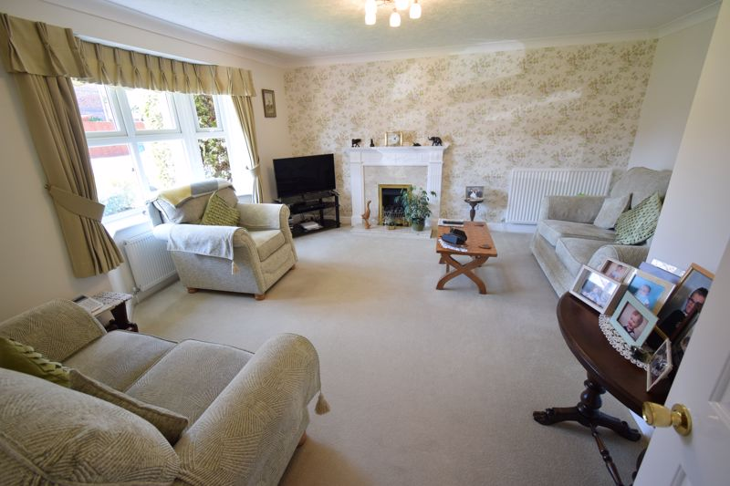 Oaklands Drive, , Willerby, East Riding Of Yorkshire, HU10 6BJ - Photo 2