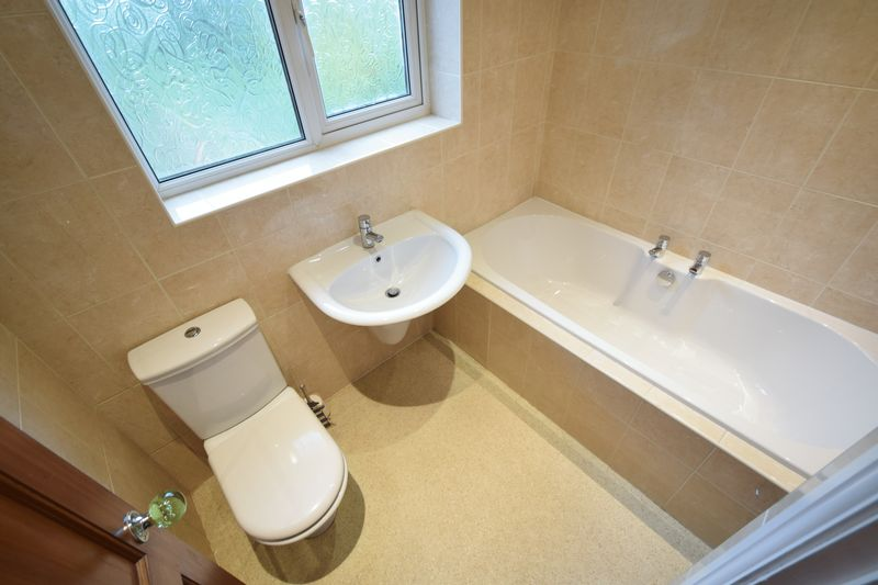 Boothferry Road, , Hessle, East Riding Of Yorkshire, HU13 0JL - Photo 11