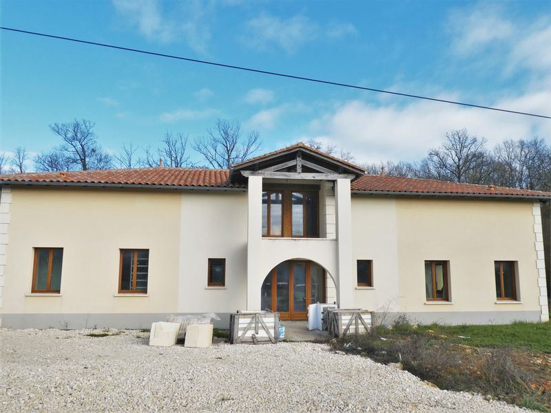 New build four bedroom detached house with views