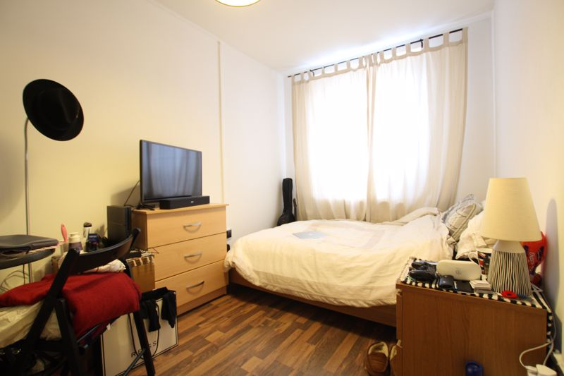 Double Room - Flat Share in Westferry
