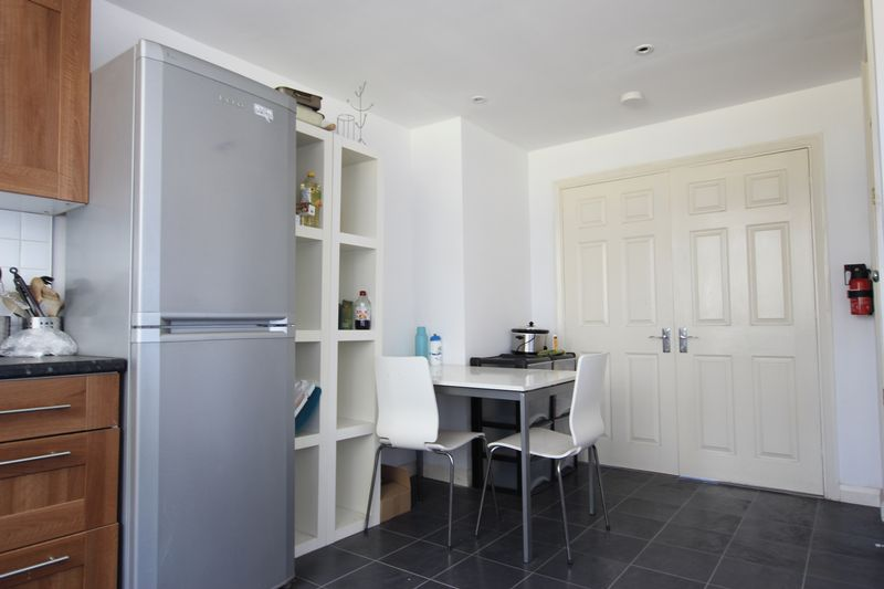 1 double room available in a 4 bedroom house
