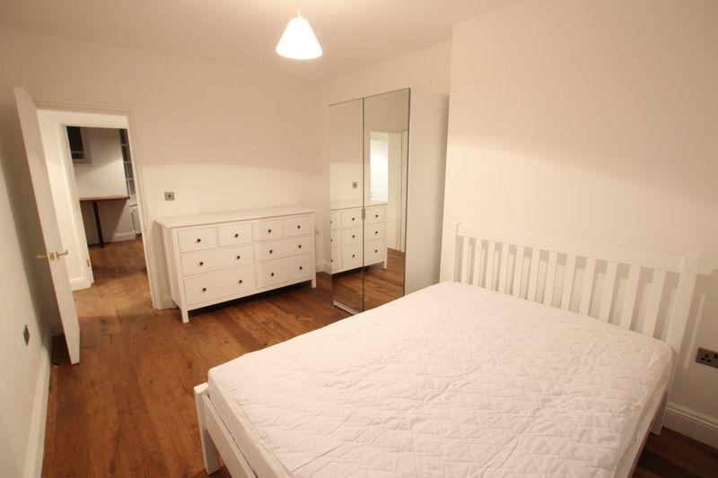 Beautiful Large Room- St Johns Wood
