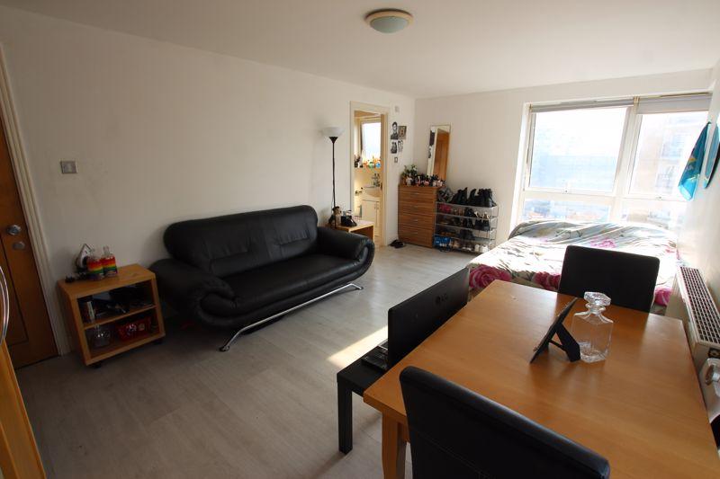 En-suite Double Room- COUPLES ALLOWED