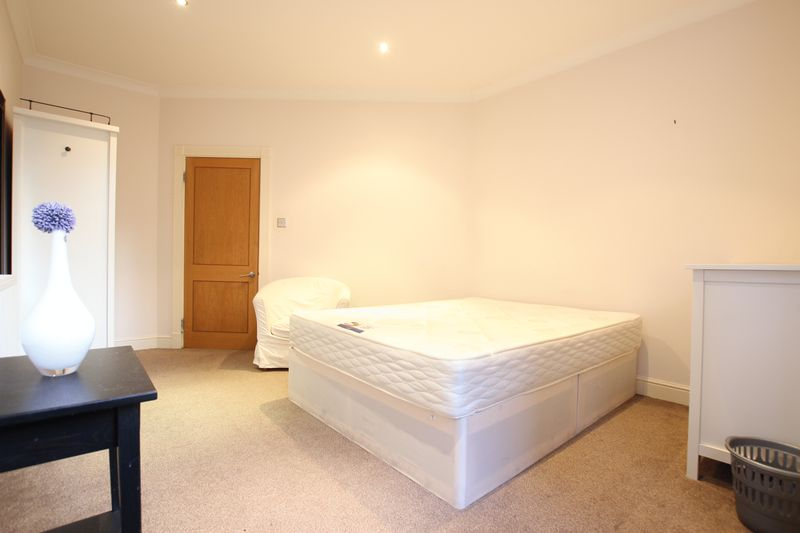 Double Room - WAREHOUSE CONVERSION!