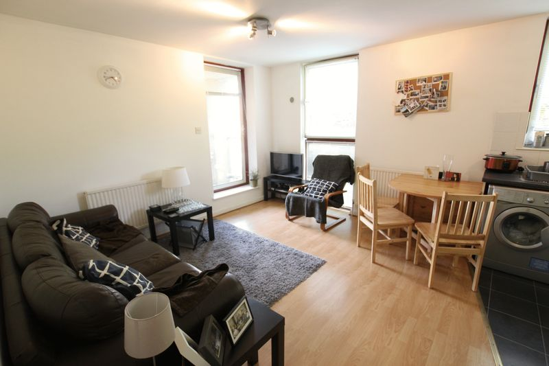 Double Room to rent- Wapping